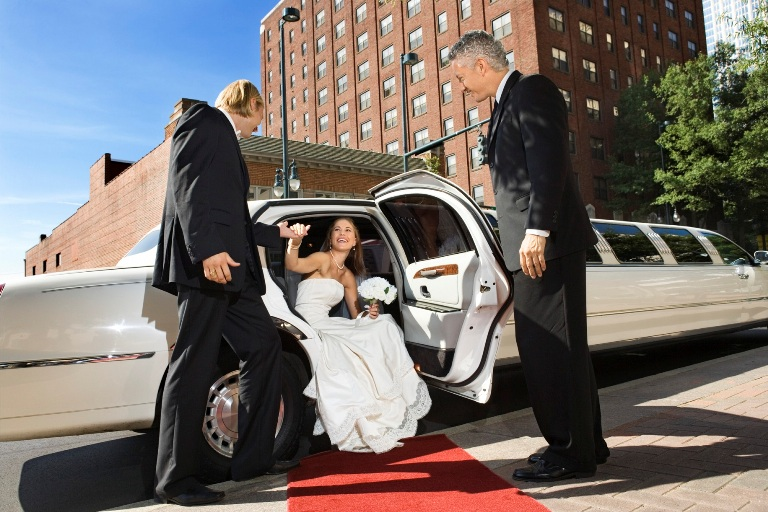 wedding_limo
